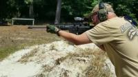 AR-15突击步枪变异版, 有两根枪管还有两个弹匣!