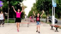 阿采和女儿跳广场舞《北江美》新手入门32步, 一看就会