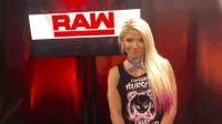 (中字) WWE小魔女阿莱克萨布里斯叫板中国的AB——杨颖AngelaBaby!