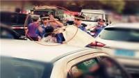 广西贺州城管与女摊贩发生冲突当街出手被查