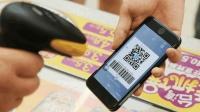 法国网友: 在中国带个手机就能出门, 为什么在自己国内却做不到?
