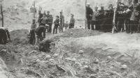 """山西煤矿出现""""万人坑"""", 共有6万多具骸骨, 到底是谁下的毒手?"""