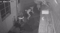 女子凌晨下班遭抢劫 反抗中被拖行数米