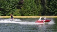 美国无人驾驶快艇, 一个人也可以尽情滑水, 网友: 安全吗?