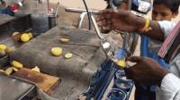 印度街头的柠檬汁, 一颗小柠檬就能做一杯, 真佩服印度人的抠门!