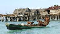 没有国籍没有身份, 终生不得上岸, 巴瑶族靠卖鱼换取淡水和食物