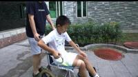 轮椅少年见C罗 兴奋得血往脑袋上撞