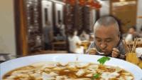 这家店的豆腐脑扬州第一, 排队买站着吃! 本地人下午茶的最爱!