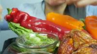 国外吃播微笑姐吃烤鸡配甜椒, 大口吃的好馋人!