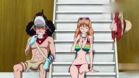 海贼王:娜美穿泳装晒太阳,路飞伸长脖子到娜美面前,这表情太逗