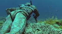海底 捕鱼什么感觉 外国小哥亲自己海底捕鱼