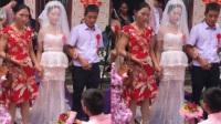 新郎跪地向新娘告白 丈母娘太年轻实力抢镜