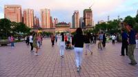 游览西宁新宁广场--男博万视觉