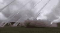 实拍远程火箭炮西藏实弹射击 万箭齐发全火力覆盖雄踞高原