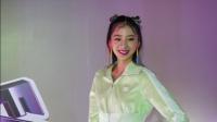 现场:Irene Kim秀完美身材 分享穿搭秘诀