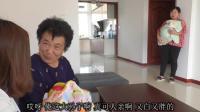 婆婆发现小儿媳怀了孙子, 将大儿媳赶走, 当她躺在病床上时后悔了