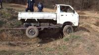 最好的迷你越野卡车测试, 这技术也真是没人能比了啊!