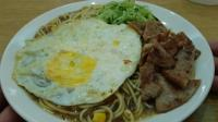 台北这家早餐店的黑胡椒面, 价格便宜, 但绝没偷工减料, 实惠好吃