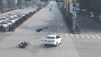 电动车闯红灯被撞, 事故责任判定一出, 很多网友表示无奈!