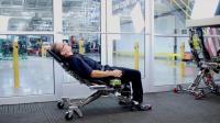 这椅子能变形, 一键切换成躺姿, 保护颈椎腰椎, 汽修师傅有福了