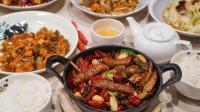 日本、中国和印度的聚餐方式对比, 中国最热闹, 印度餐具很特别