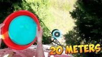老外实验: 将20斤水气球从20米扔下会怎样? 蹦床表示压力山大!