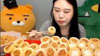 韩国大胃王王云, 吃泡菜料理, 一口一个, 到底能有多好吃呢?