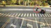 司机扶老人反被讹千元 警方查监控证明清白