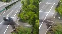 驾驶员找手机小车连撞护栏乘客飞出车外