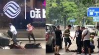 男子持械与警方对峙 警方鸣枪示警将其制服
