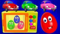 彩蛋玩具蹦出很多彩色足球玩具