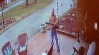 暴脾气! 监拍: 美国黑人学生敲门问路遭大叔开枪射击