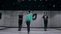 清纯美女爆炸跳舞, 旋律80年代的感觉!