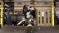 世界上最逆天的人形机器人, 玩酷跑当替身, 细思极恐!