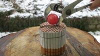 当香烟遇上1000度铁球会怎样? 看香烟的下场就知道了, 太厉害了!