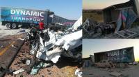 南非一卡车疑似爆胎后失控导致多车连环撞成渣 造成27人死亡
