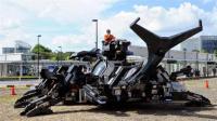 日本大爷耗时11年打造巨型机械甲虫, 网友: 怪兽来袭!