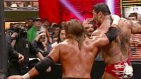 摔跤狂热大赛21 HHH趁巴蒂斯塔被瑞克弗莱尔分心 迅速从背后出招