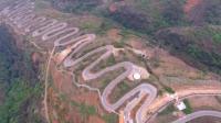 中国修这条路为了节约资金, 拐了68个弯, 一不小心修成了世界奇迹