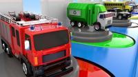 不同颜色的小汽车玩具来到旋转汽车中心