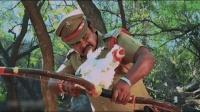 电影解说: 印度电影开挂新高度, 母鸡也能当武器你敢信? 肚子笑痛