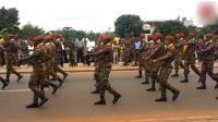 非洲阅兵, 全世界最慢的走正步, 这画面太搞笑了