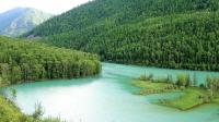 喀纳斯风景湖光山色绿草如茵--男博万视觉