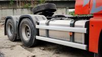 卡车司机全款买了一台自动挡重卡, 却不愿意用铝合金轮圈
