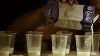 《地心营救》33个矿工被困地下69天, 每天只能喝一点牛奶