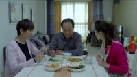 女子亲自做饭给爸妈吃,爸爸说土豆条做得不错,女子:这土豆丝啊