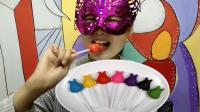 """妹子试吃""""龙猫棒棒糖巧克力"""", 胖乎乎的咬起来嘎嘣脆, 五颜六色"""