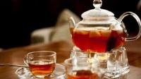 美国人说喝中国茶要加牛奶和糖, 是喜剧看多了来搞笑的吗?