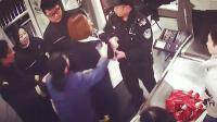 最多拘15天! 实拍: 北京一女大学生踢打民警笑谈人生被刑拘