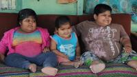印度三兄妹成最强吃货, 4岁妹妹吃到102斤, 医生称这是一种病!